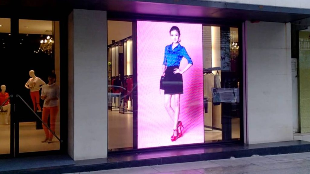 Best screens for business including product display in retail store, small shop display ideas, merchandising display ideas for a retail store, retail displays, types of display units in retail stores, types of displays in visual merchandising in Cape Town, Johannesburg, Pretoria, Durban & South Africa
